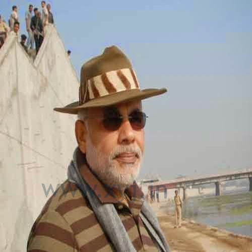 Narendra Modi Wearing Different Caps 10