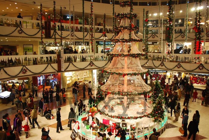 Best-Places-to-Celebrate-Christmas-Day-Party-in-Delhi