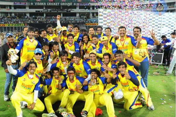 Chennai Rhinos Winning Moment pic CCL Season 2 Winner Image