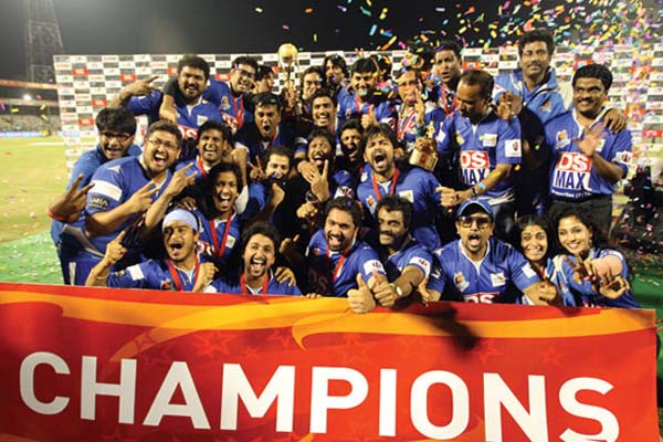 Karnataka Bulldozers Winning Moment pic CCL Season 3 Winner Image