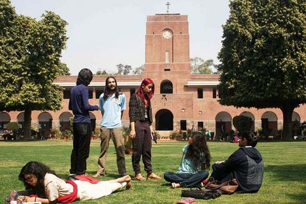 Top 20 Best College For Arts Students (BA) in India