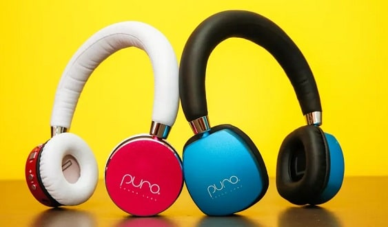 Bluetooth Headphones Vs. Wired Headphones: Which is better?